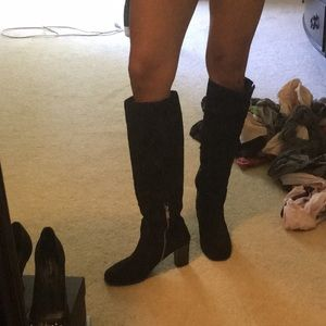Suede material boots
